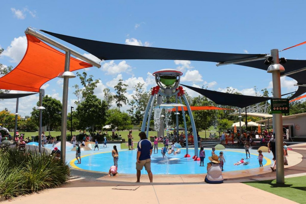 pros-and-cons-of-migrating-to-australia-outdoor-pool-for-kids